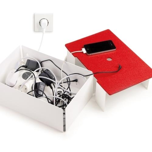 Charge-Box, White/Red, Konstantin Slawisnki