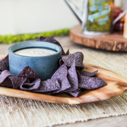 Acacia Chip/Dip Platter, Triangle, Sparq Home