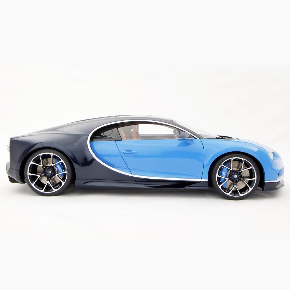 2016 Geneva Motor Show Bugatti Chiron First Look: 1:8 Scale Model Car