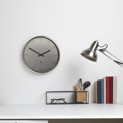 Meta Wall Clock    Umbra