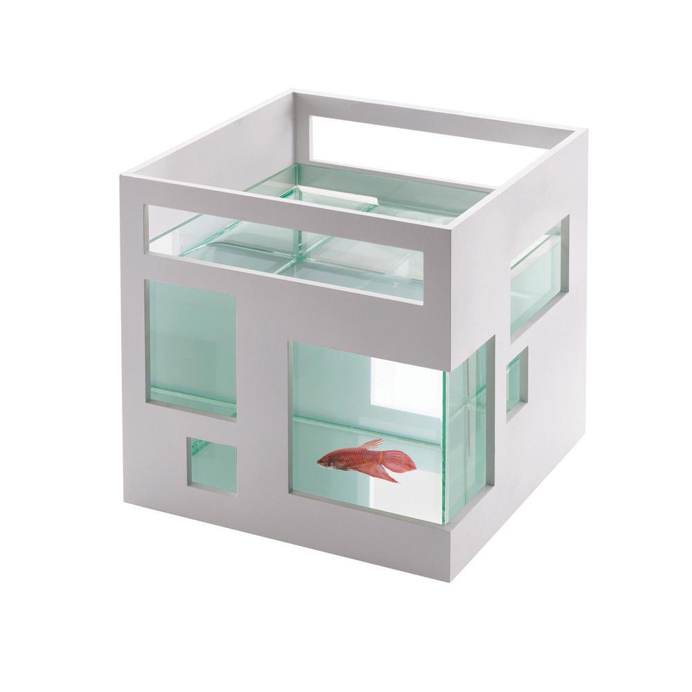 Fish Hotel | Umbra