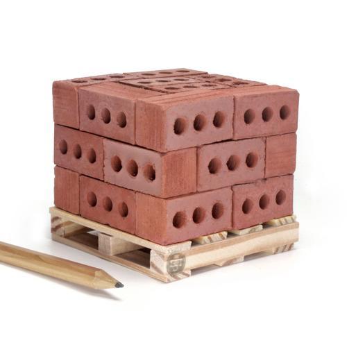 1:6 Red Bricks: 24 Pack w/ pallet